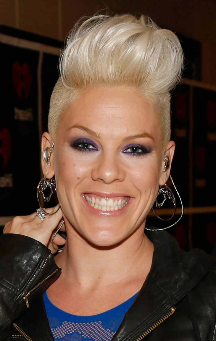15 Gorgeous Mohawk Hairstyles For Women This Year In Current Feminine Curls With Mohawk Haircuts (View 18 of 20)