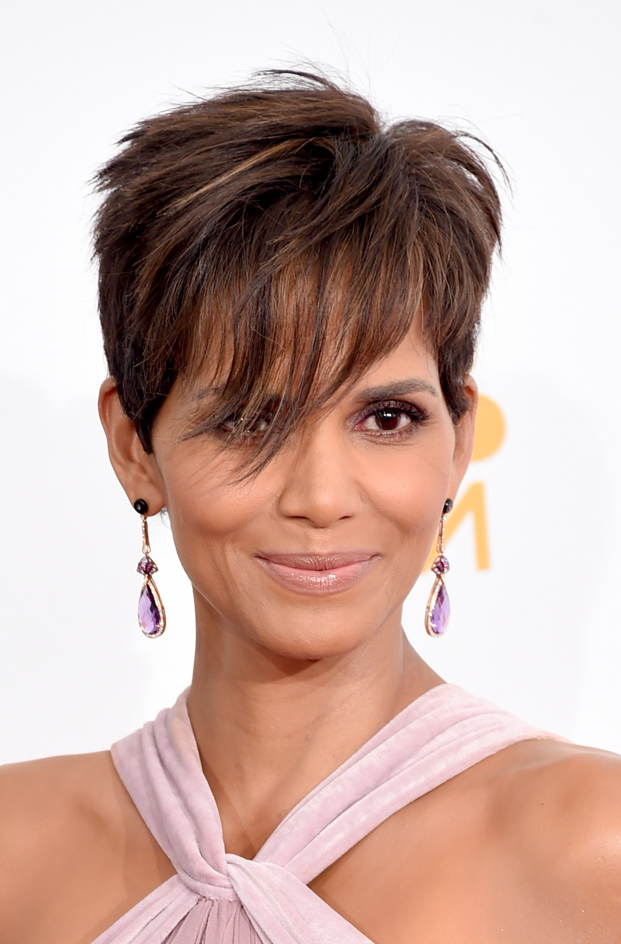 40 Best Short Pixie Cut Hairstyles 2019 – Cute Pixie Throughout Pixie Haircuts With Bangs And Loose Curls (View 8 of 20)