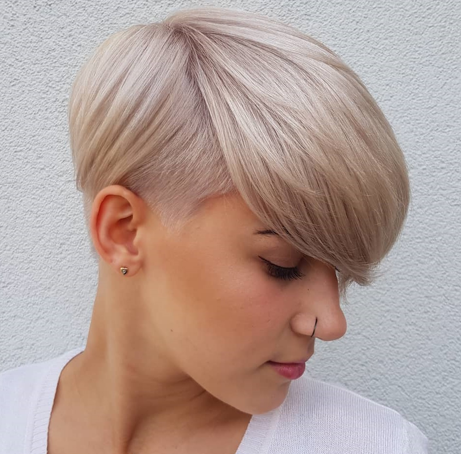 45 Short Hairstyles For Fine Hair To Rock In 2019 Throughout Trendy Pixie Haircuts With Vibrant Highlights (View 13 of 20)