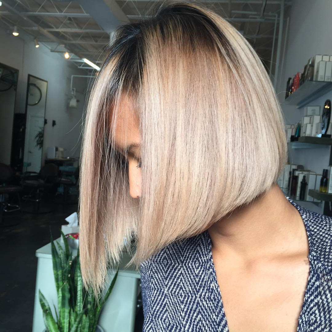 50 Amazing Blunt Bob Hairstyles 2018 – Hottest Mob & Lob Intended For Blonde Blunt Haircuts Bob With Bangs (View 10 of 20)