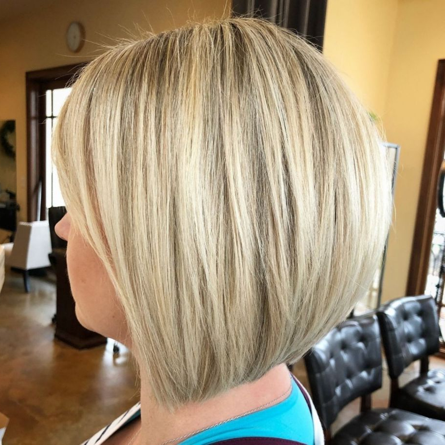 60 Layered Bob Styles: Modern Haircuts With Layers For Any In Modern And Stylish Blonde Bob Haircuts (View 12 of 20)