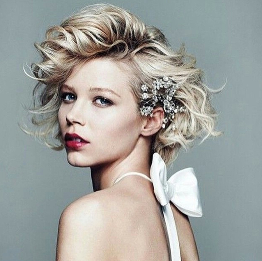 8 Glamorous & Romantic Hairdos Brides With Short Hair Can Rock Throughout Glamorous Pixie Hairstyles (View 12 of 20)