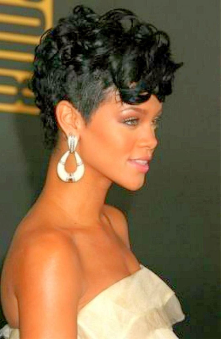 Favorite Rihanna Black Curled Mohawk Hairstyles Pertaining To Lovely Curly Short Mohawk – Razanflight (Gallery 14 of 20)