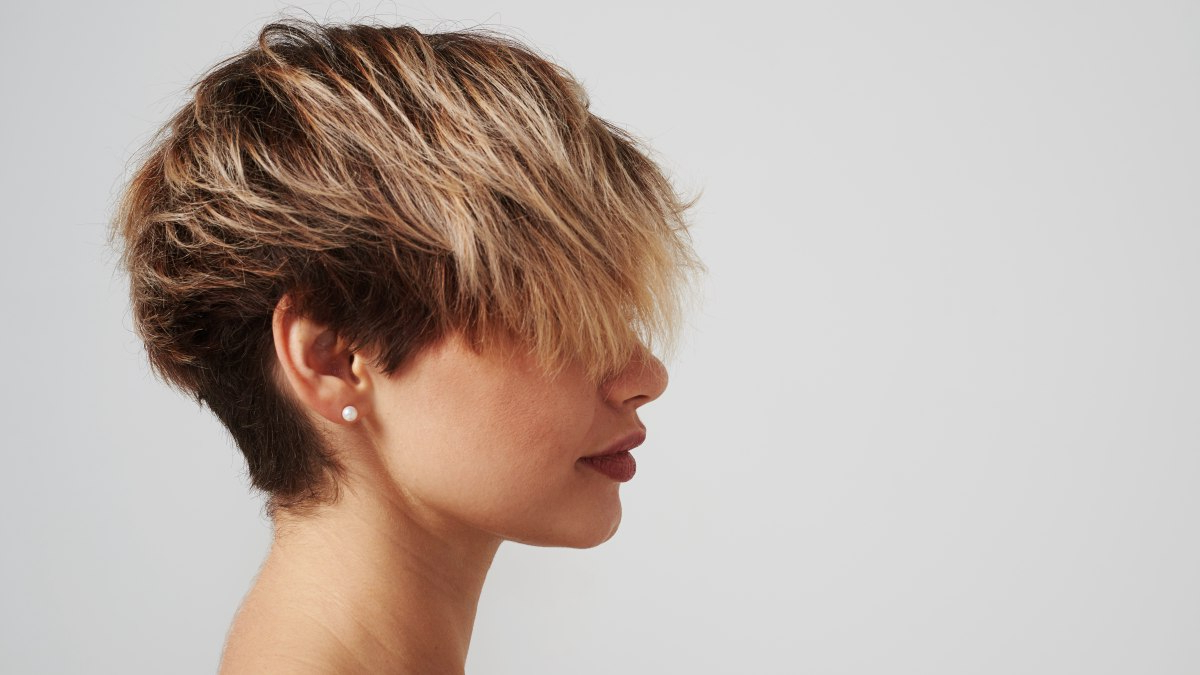How Long Does It Take To Highlight Short Hair? Throughout Highlighted Pixie Hairstyles (View 12 of 20)
