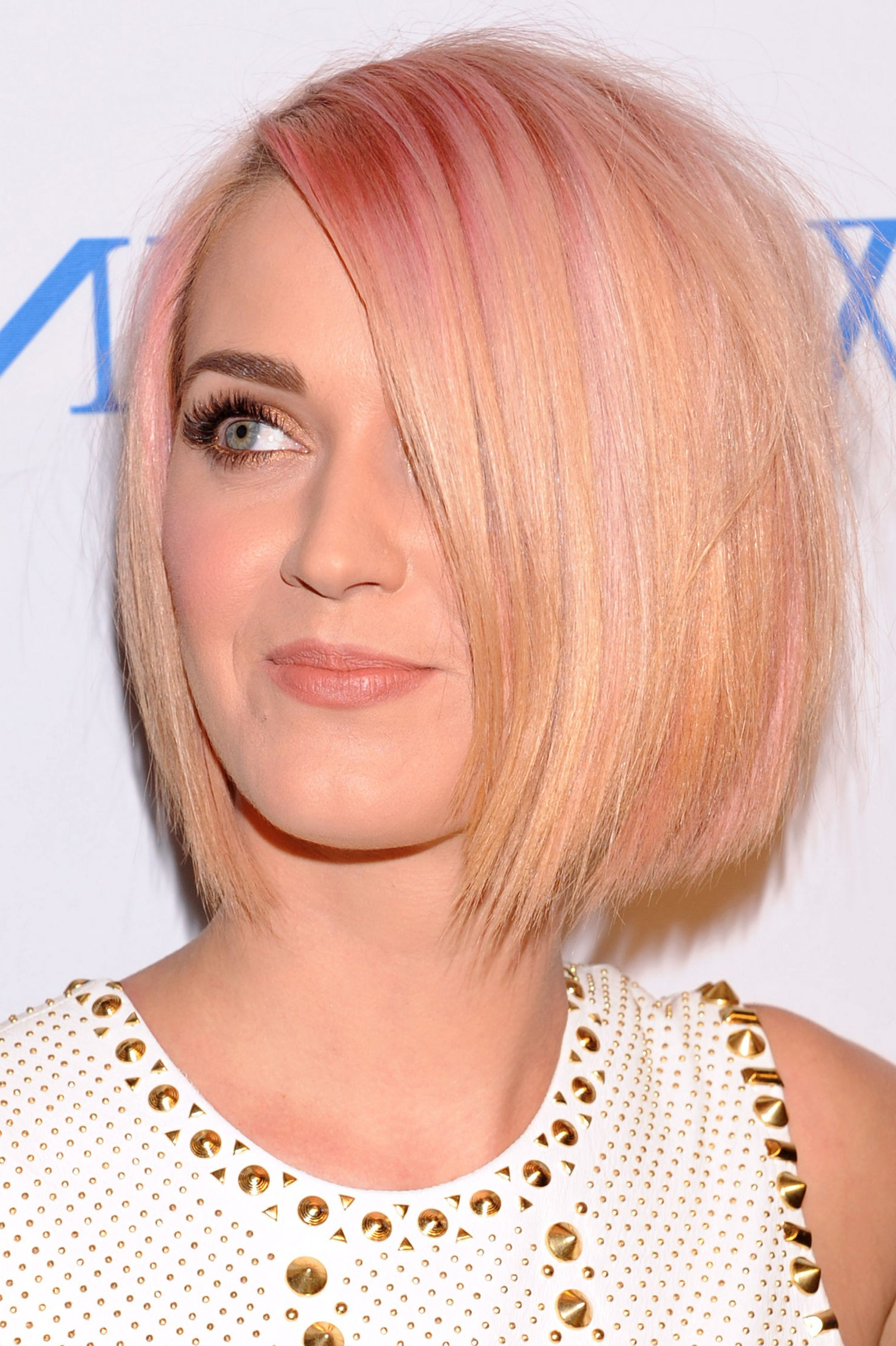 Katy Perry's 31 Best Hairstyles In Honor Of Her 31St Throughout Glam Blonde Bob Haircuts (View 12 of 20)