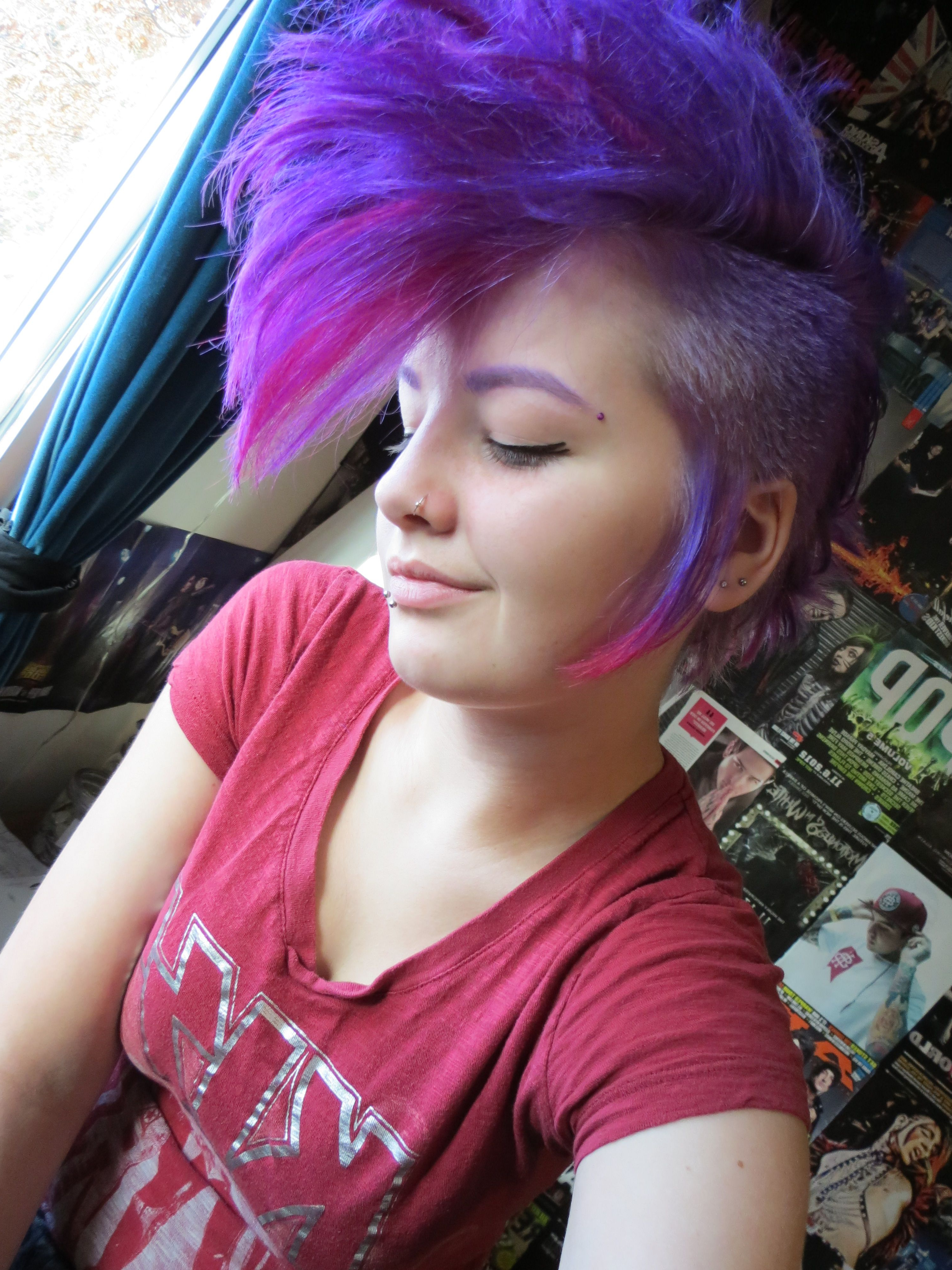 Most Current Hot Red Mohawk Hairstyles Intended For Purple And Red Mohawk/deathhawk Beautiful Girl (View 16 of 20)