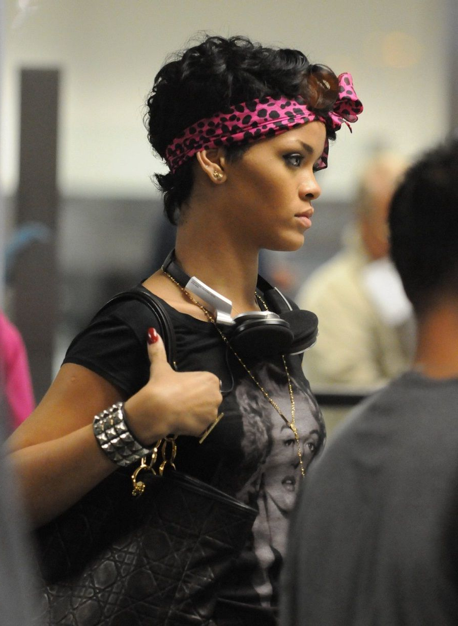 Most Popular Rihanna Black Curled Mohawk Hairstyles With African American Curly Mohawk Hairstyles (View 13 of 20)