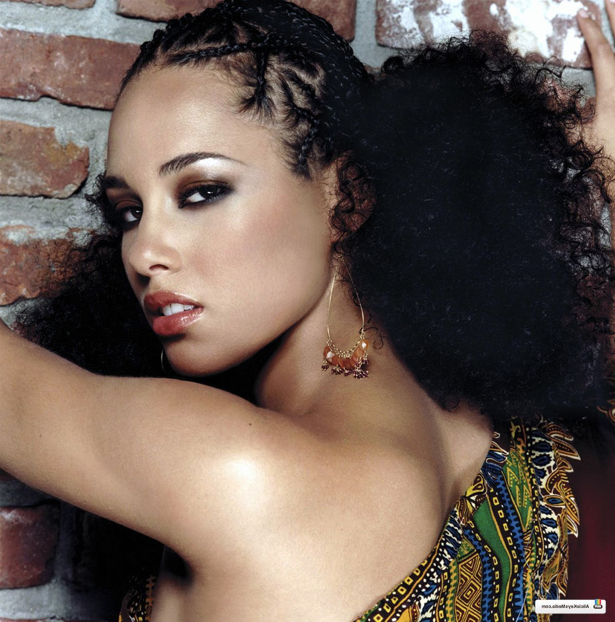 "Most Recently Released Alicia Keys Glamorous Mohawk Hairstyles Pertaining To Alicia Keys, Puff Braid Hairstyle From ""you Don't Know My (View 3 of 20)"