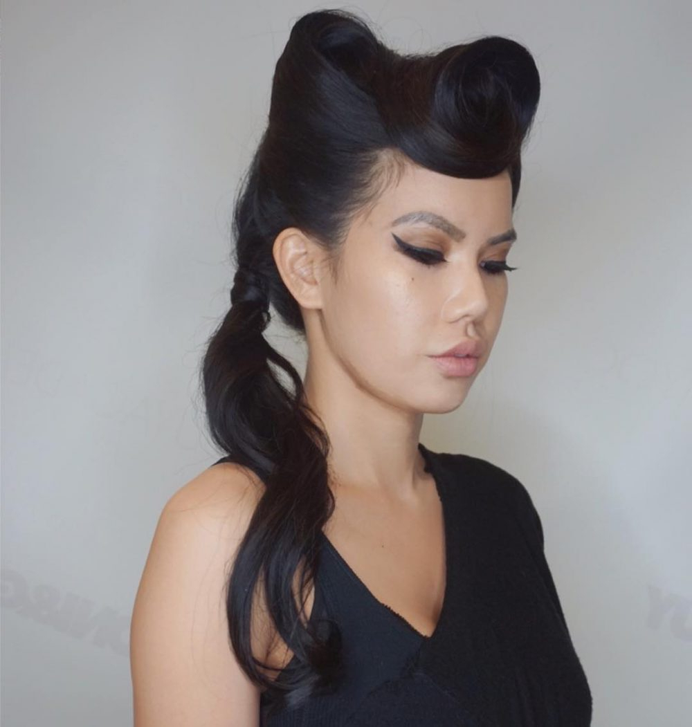 """Most Up To Date Victory Roll Mohawk Hairstyles With Regard To 42 Pin Up Hairstyles That Scream """"retro Chic"""" (Tutorials (View 14 of 20)"""