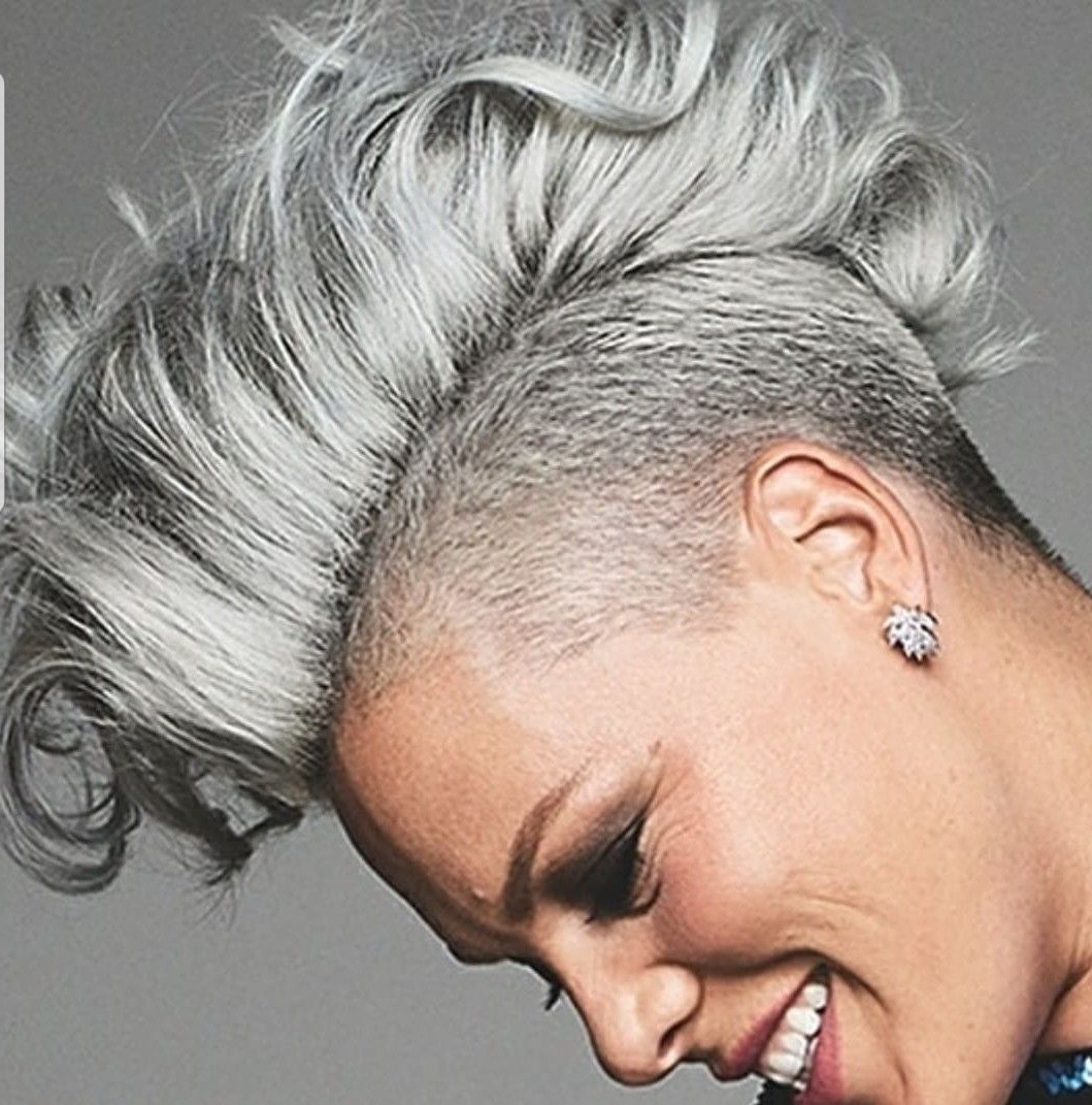 Featured Photo of Short Hair Inspired Mohawk Hairstyles