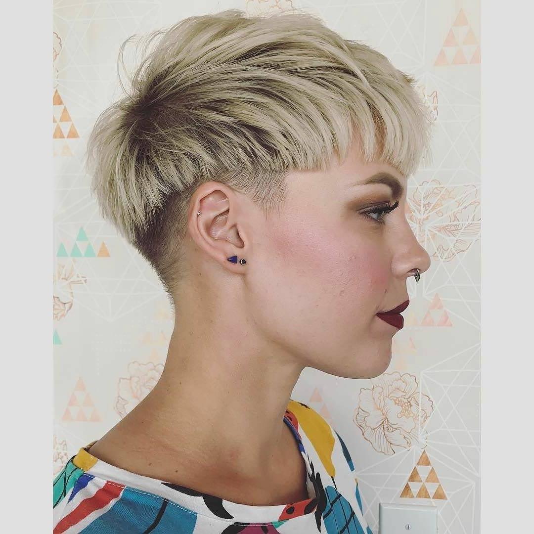 10 Amazing Short Hairstyles For Free Spirited Women! Short Regarding Sunset Inspired Pixie Bob Hairstyles With Nape Undercut (Gallery 20 of 20)