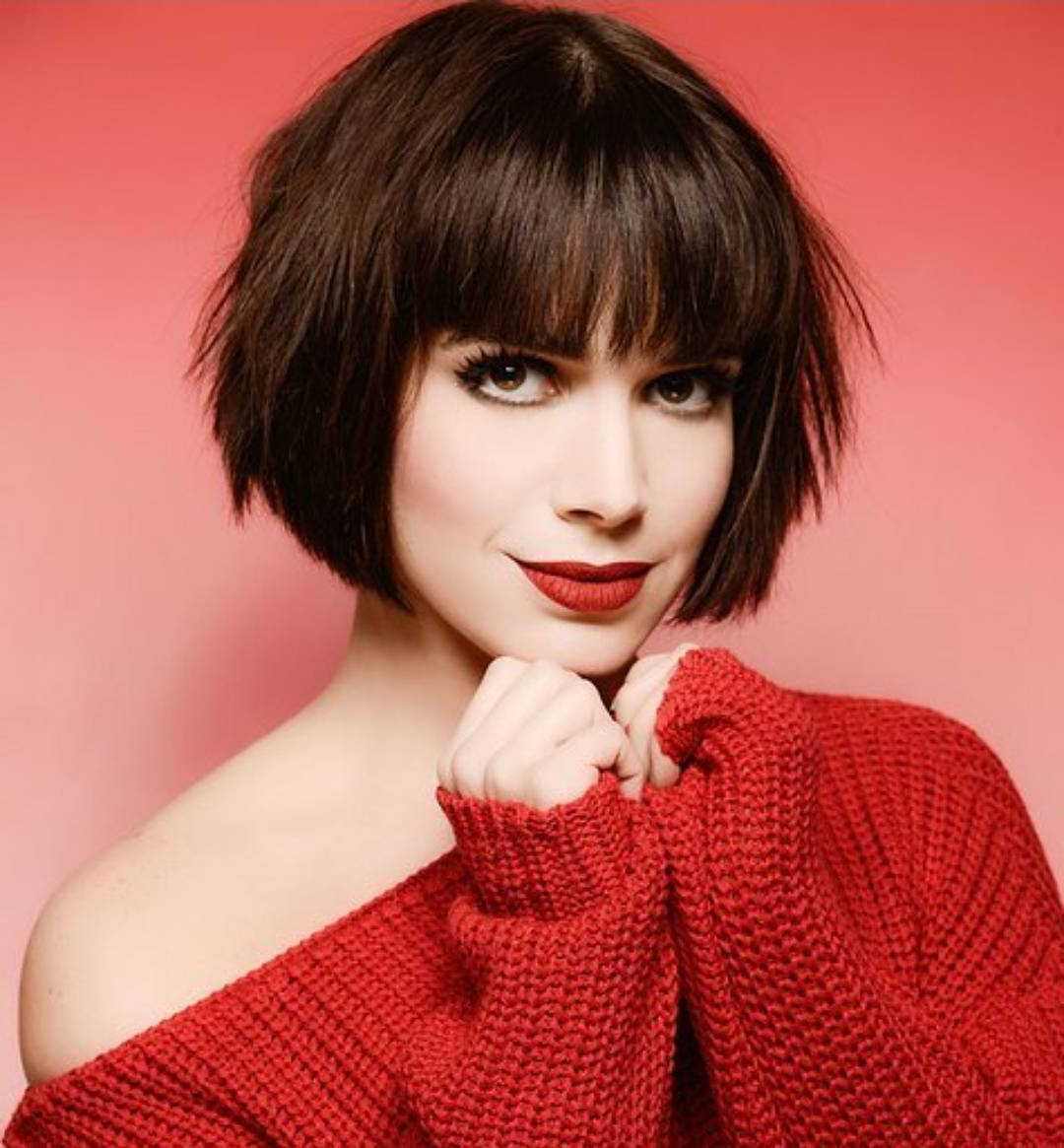 10 Chic Short Bob Haircuts That Balance Your Face Shape! Inside Short Chopped Bob Hairstyles With Straight Bangs (Gallery 17 of 20)