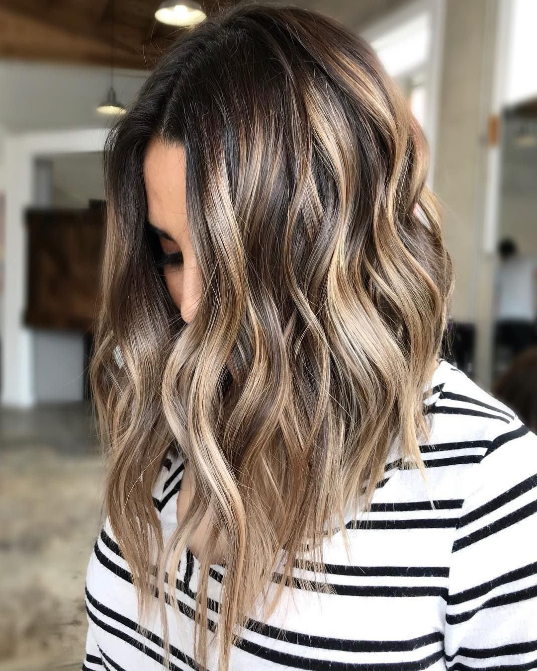 10 Top Shoulder Length Hairstyles – Wavy Hair, Women Medium Intended For Favorite Shoulder Length Wavy Layered Hairstyles With Highlights (View 2 of 20)