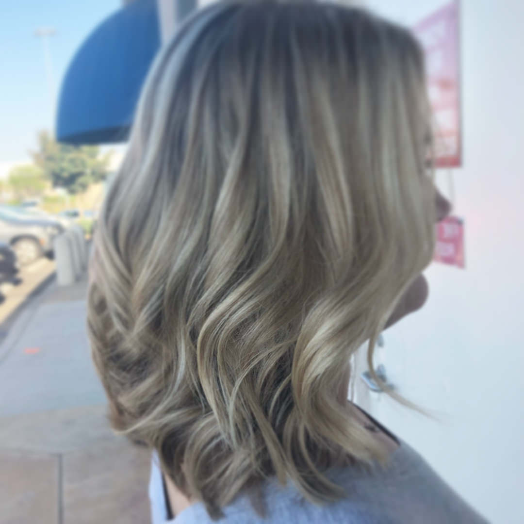 125 Gorgeous Short Layered Hairstyles For All Hair Types Regarding Most Current Two Tone Disheveled Layered Hairstyles (Gallery 20 of 20)
