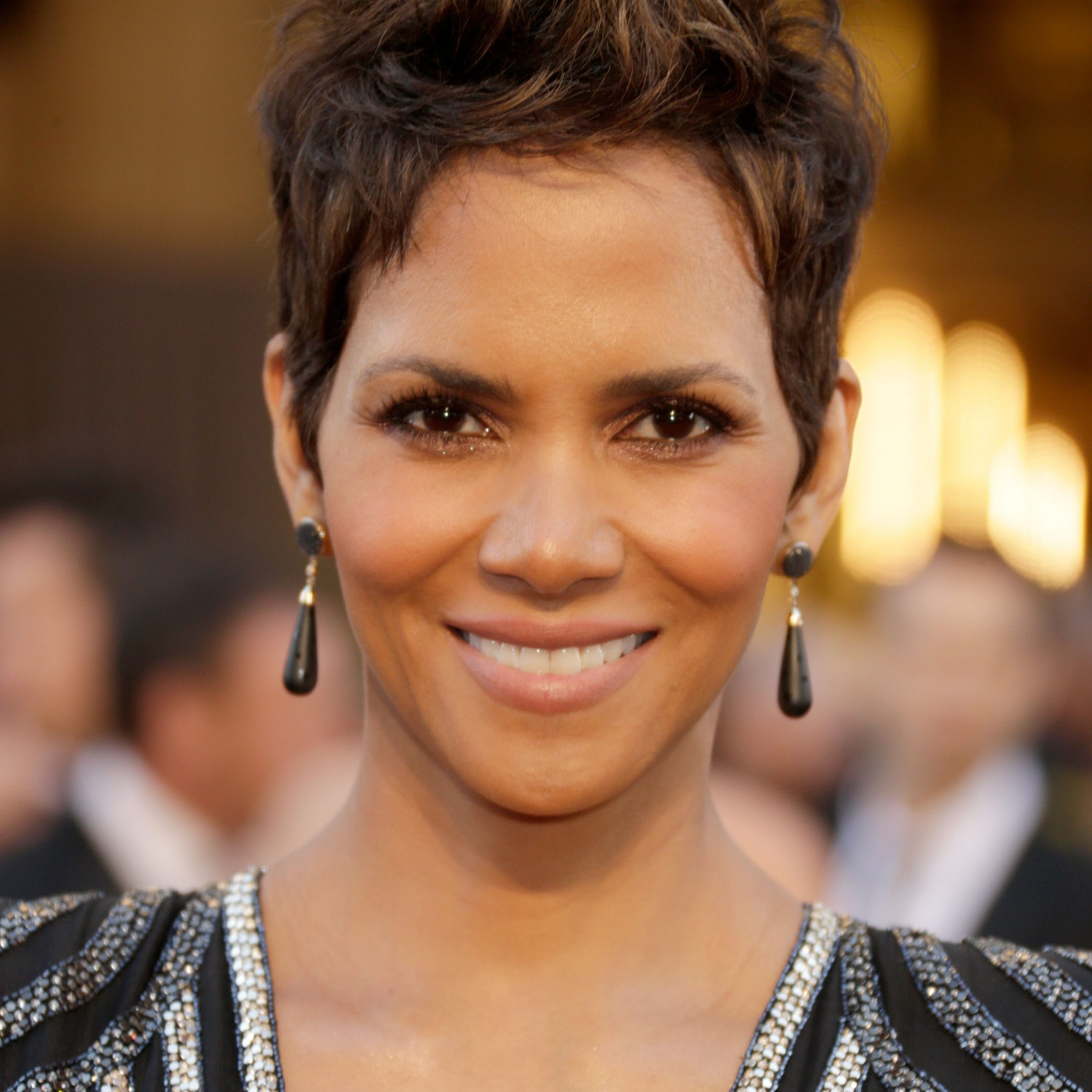 20 Classic And Cool Short Hairstyles For Older Women Intended For Cropped Pixie Haircuts For A Round Face (View 1 of 20)