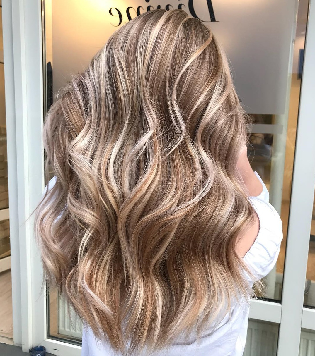 20 Light Brown Hair Color Ideas For Your New Look In Golden Bronde Bob Hairstyles With Piecey Layers (View 16 of 20)