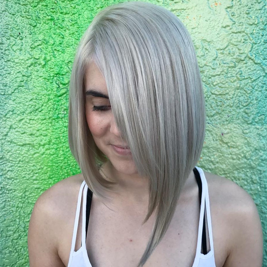 2017 Medium Sliced Ash Blonde Hairstyles Regarding How To Pull Off Medium Length Haircuts And Hairstyles In (View 17 of 20)