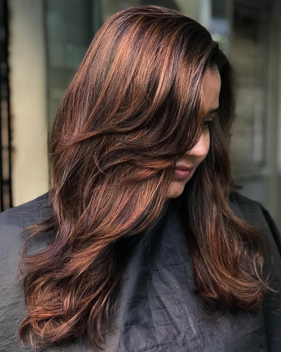 2018 Dynamic Feathered Brunette Shag Haircuts Pertaining To 50 Cute And Effortless Long Layered Haircuts With Bangs (View 3 of 20)
