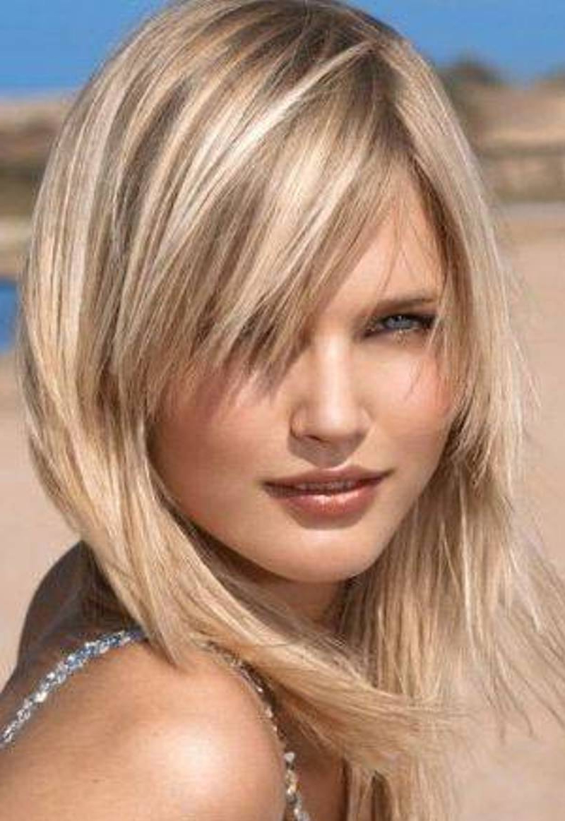 27 Medium Layered Hairstyles For Women – Feed Inspiration Intended For Layered Haircuts With Delicate Feathers (View 4 of 20)