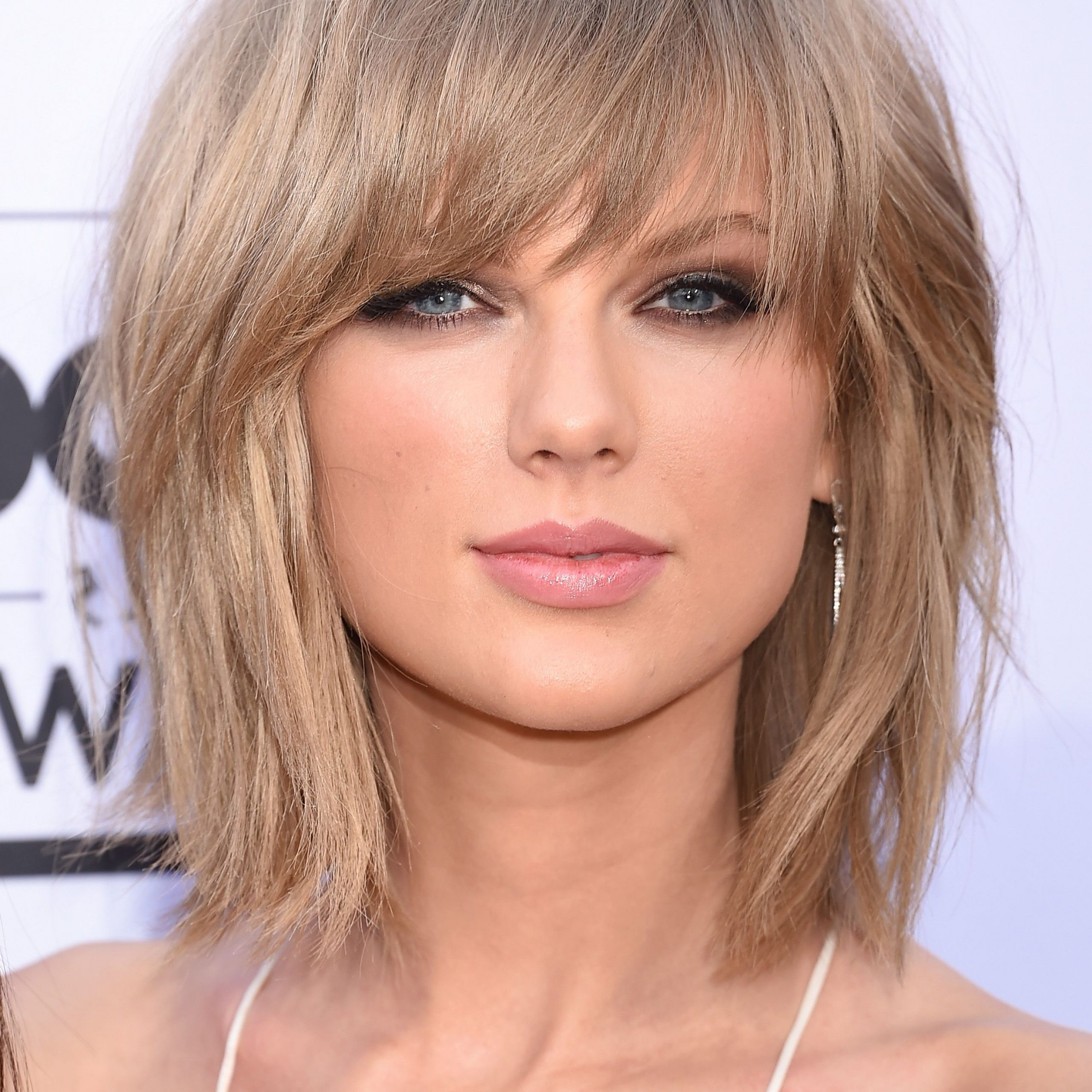 32 Celebrity Shag Haircut Ideas – Shag Hairstyle Long And Short With Fashionable Shaggy Haircuts With Uneven Bangs (View 2 of 20)