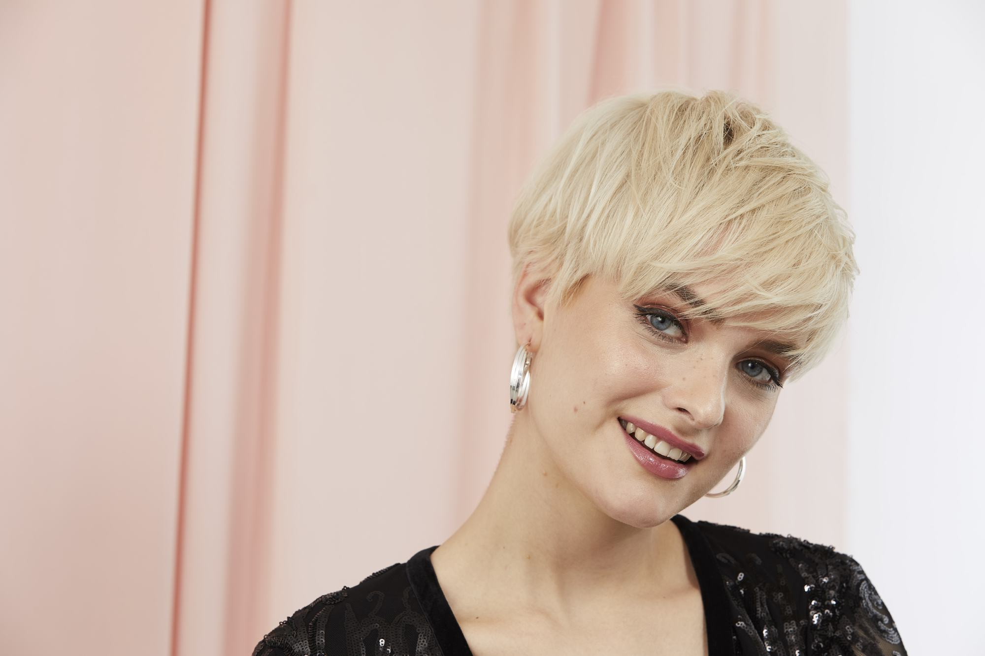 35 Best Pixie Cut Hairstyles For 2019 You Will Want To See Regarding Messy Highlighted Pixie Haircuts With Long Side Bangs (View 10 of 20)