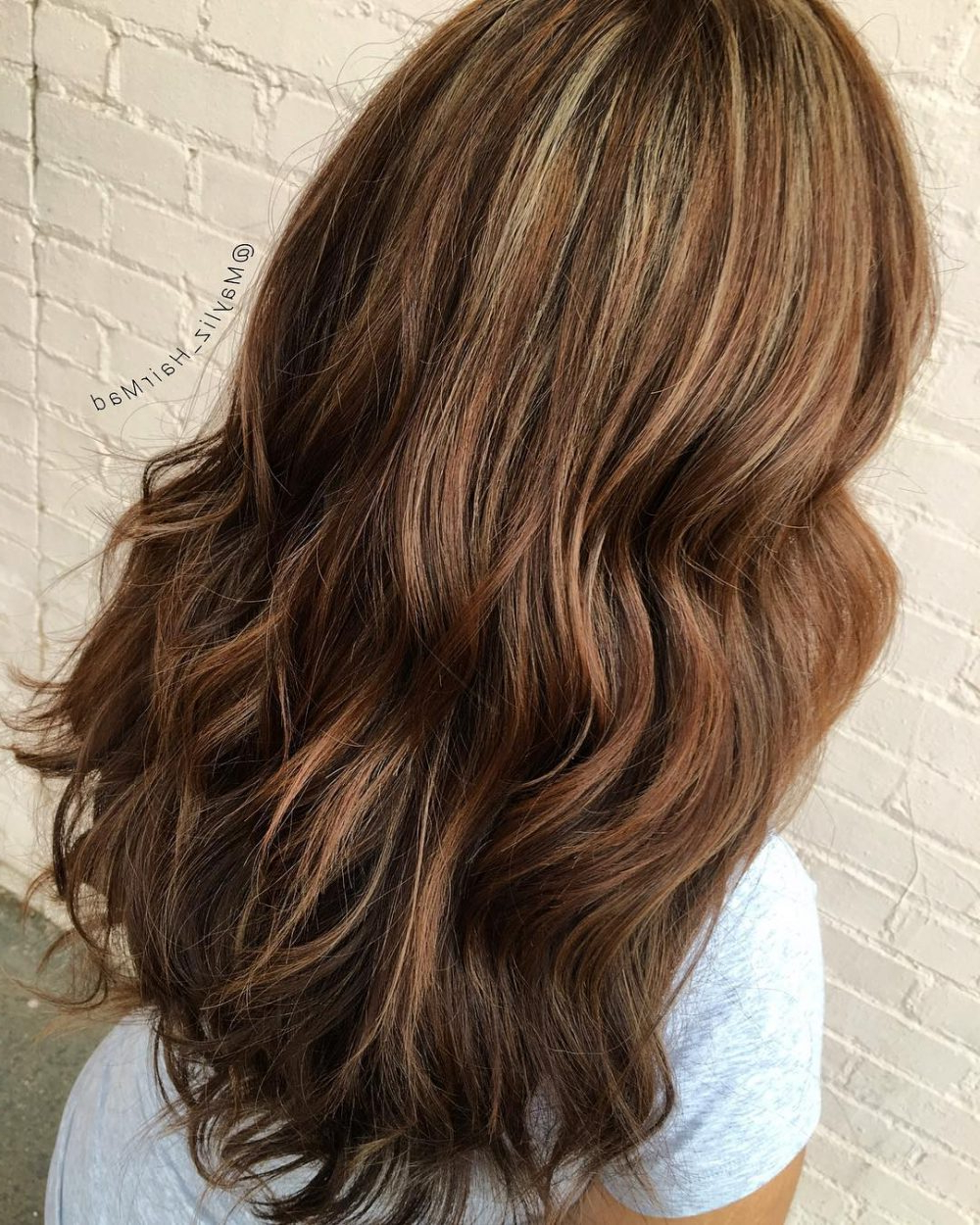 35 Most Delectable Caramel Highlights You'll See In 2019 Throughout Most Recent Voluminous Long Caramel Hairstyles (View 3 of 20)