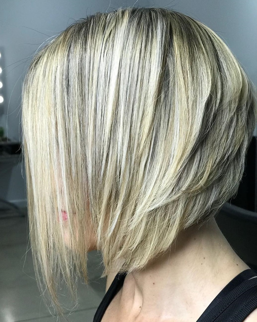 40 Awesome Ideas For Layered Bob Hairstyles You Can't Miss In Blonde Bob Hairstyles With Shaggy Crown Layers (View 4 of 20)