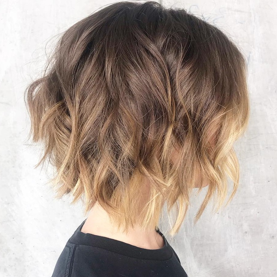 40 Awesome Ideas For Layered Bob Hairstyles You Can't Miss With Regard To 2018 Shoulder Grazing Razored Haircuts For Straight Hair (View 10 of 20)