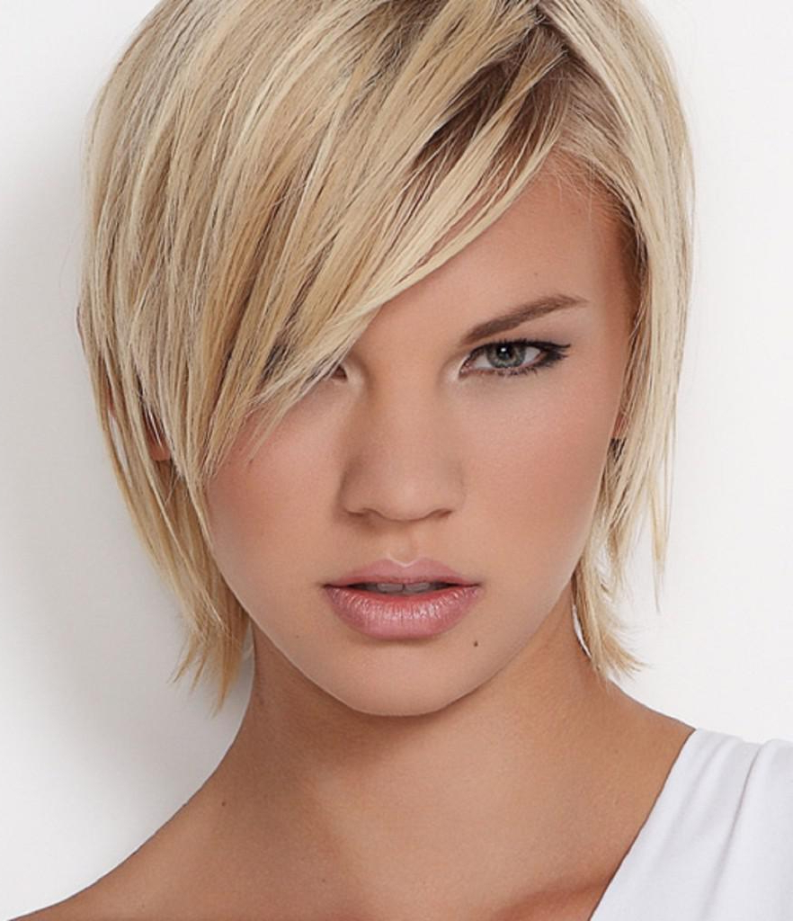 40 Classic Short Hairstyles For Round Faces In Layered Short Hairstyles For Round Faces (View 16 of 20)