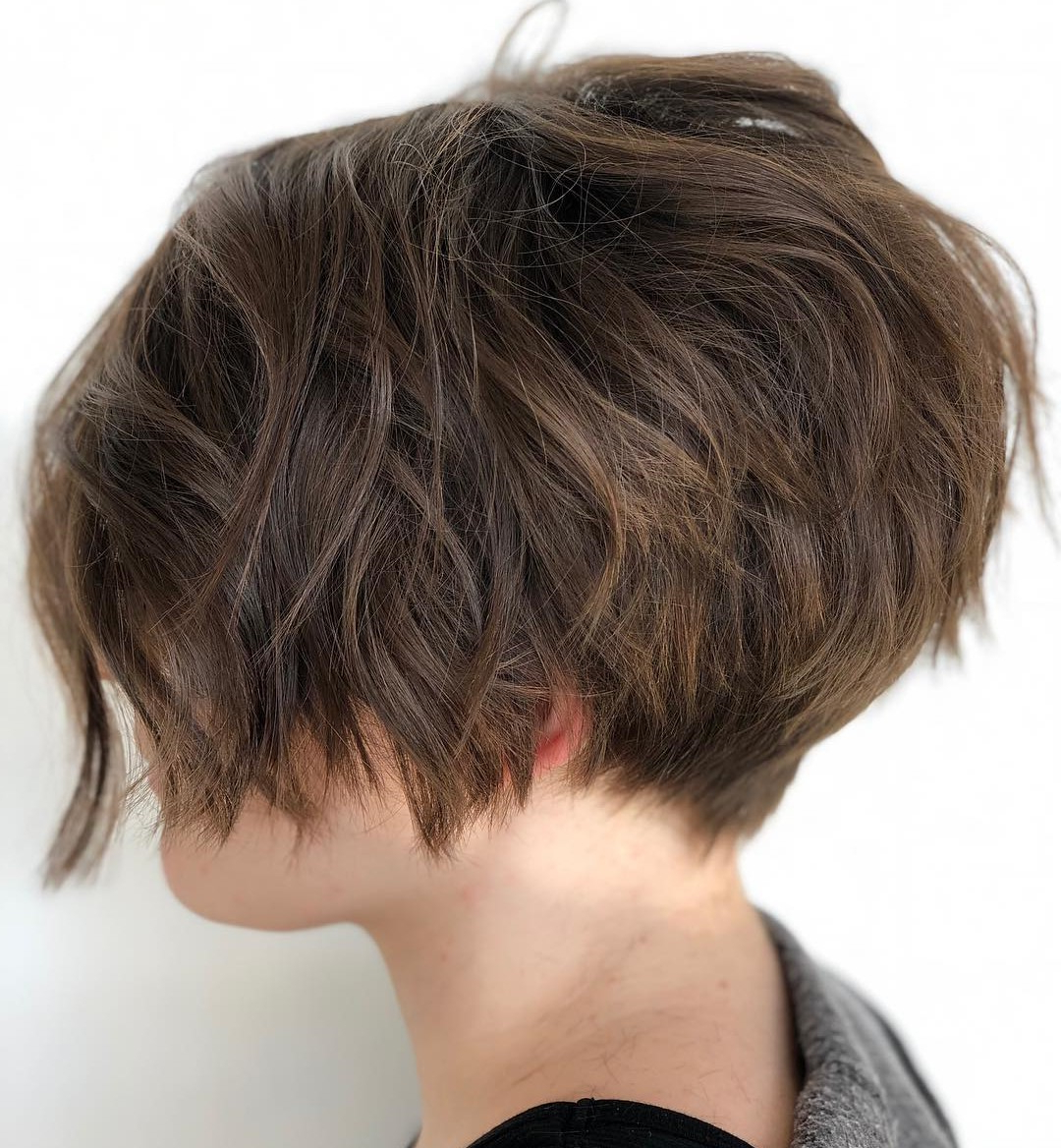 40 Short Hairstyles For Thick Hair (Trendy In 2019 2020 Regarding Inverted Caramel Bob Hairstyles With Wavy Layers (View 5 of 20)