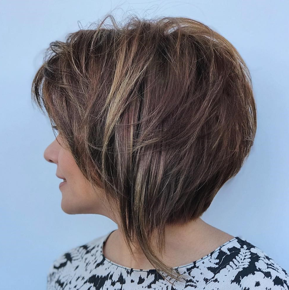 40 Short Hairstyles For Thick Hair (trendy In 2019 2020 With Golden Bronde Bob Hairstyles With Piecey Layers (View 3 of 20)