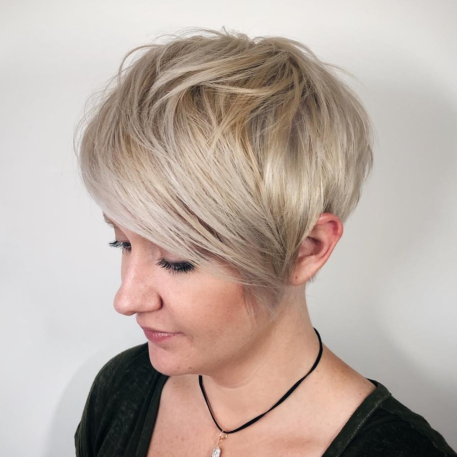 45 Short Hairstyles For Fine Hair To Rock In 2019 In Sophisticated Wavy Ash Blonde Pixie Bob Hairstyles (View 7 of 20)