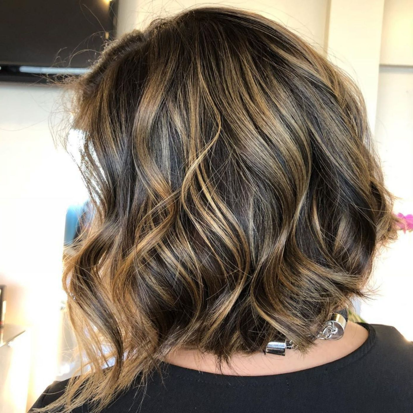 50 Gorgeous Wavy Bob Hairstyles With An Extra Touch Of Intended For Feminine Wavy Golden Blonde Bob Hairstyles (View 10 of 20)