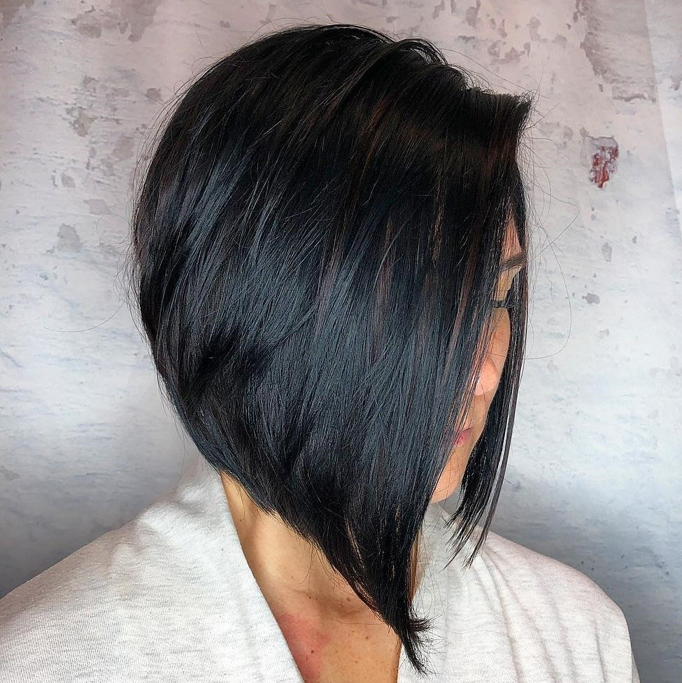 50 Inverted Bob Haircuts That Are Uber Fashionable – Hair Inside Angled Bob Hairstyles With Razored Ends (View 10 of 20)