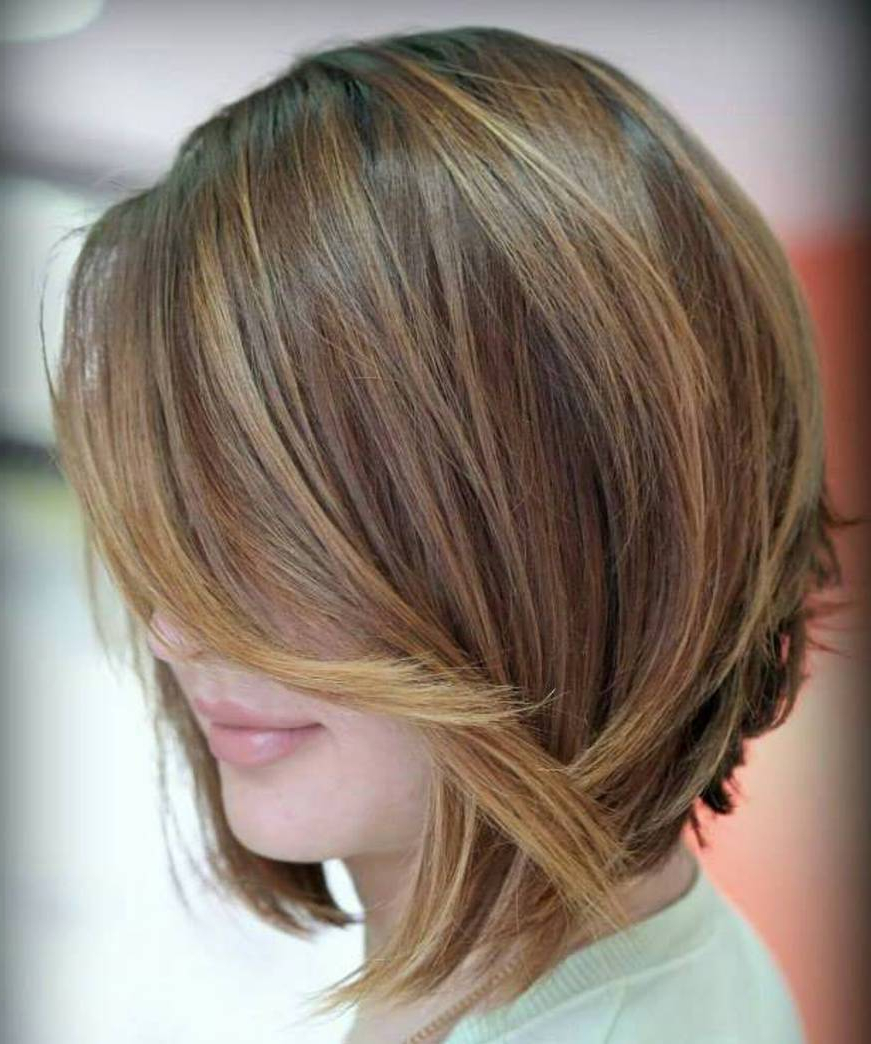 50 Inverted Bob Haircuts That Are Uber Fashionable – Hair Regarding Short Chocolate Bob Hairstyles With Feathered Layers (View 10 of 20)