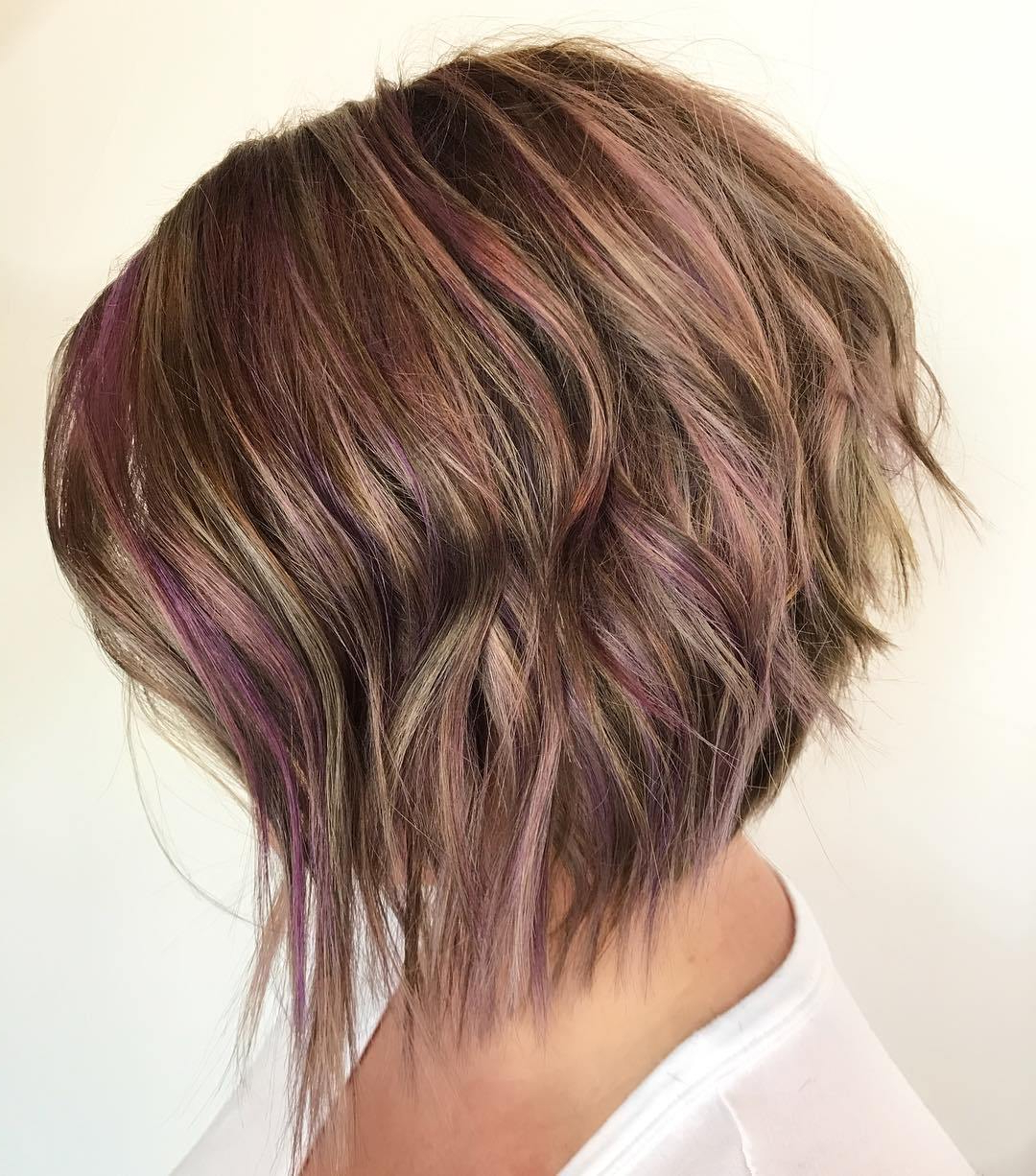 50 Screenshot Worthy Short Layered Hairstyles – Hair Adviser Regarding Short Shag Haircuts With Purple Highlights (View 9 of 20)