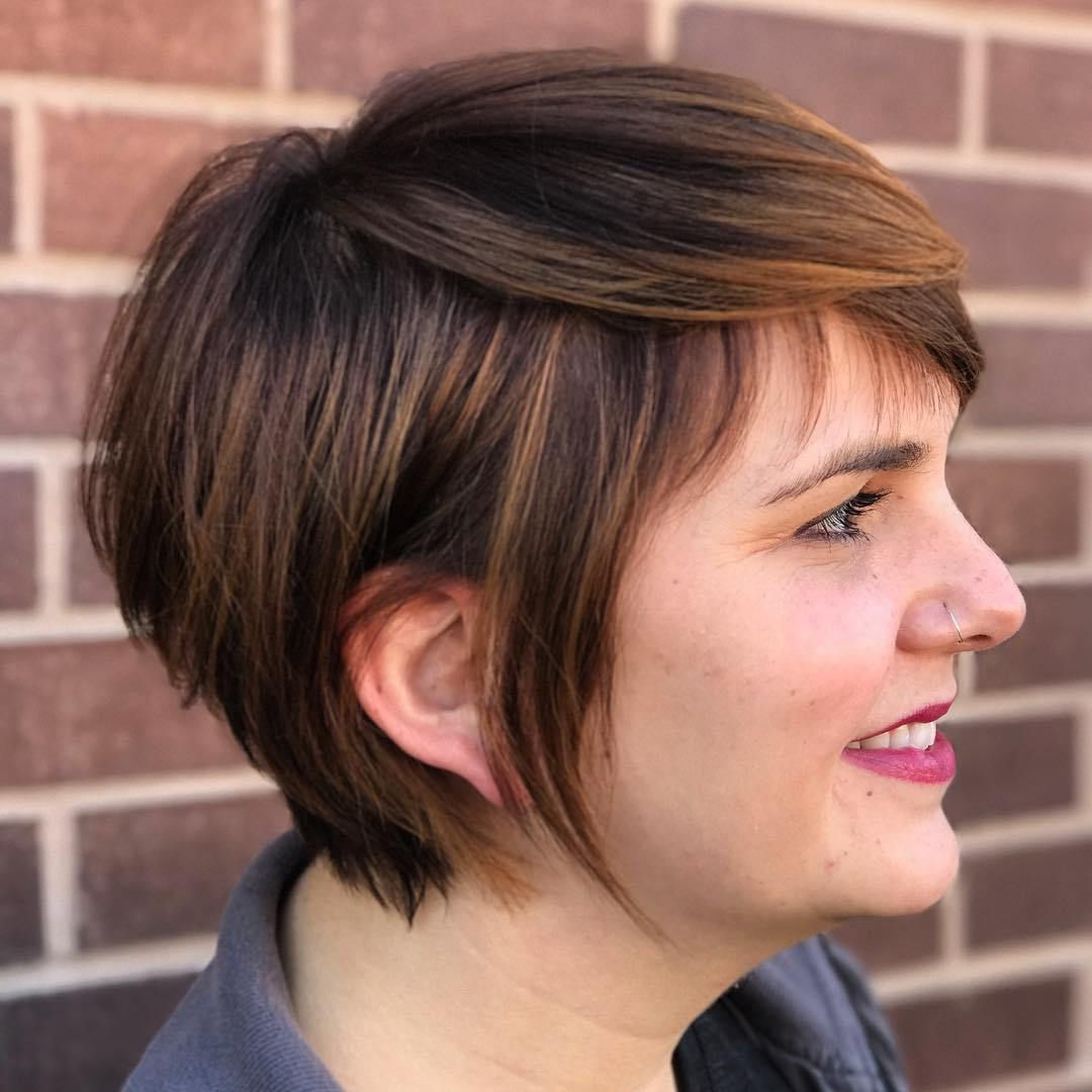 50 Super Cute Looks With Short Hairstyles For Round Faces In In Long Pixie Haircuts With Sharp Layers And Highlights (View 1 of 20)
