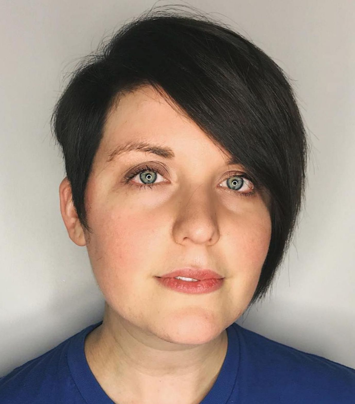 Featured Photo of Minimalist Pixie Bob Haircuts