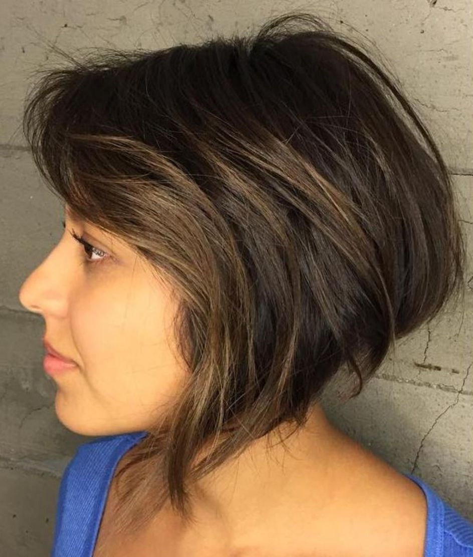 50 Super Cute Looks With Short Hairstyles For Round Faces In With A Line Haircuts For A Round Face (View 6 of 20)