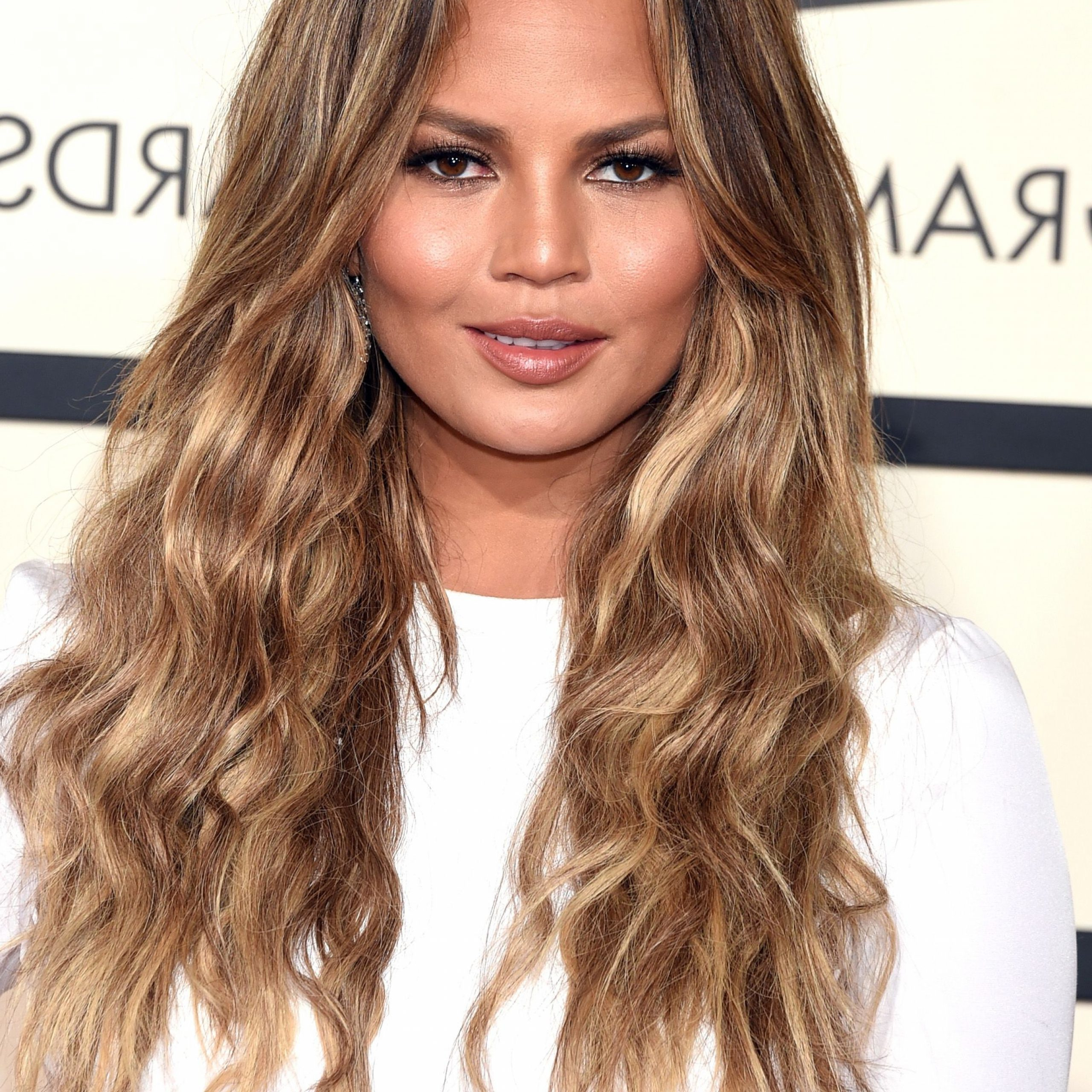 53 Best Layered Haircuts, Hairstyles & Trends For 2019 In Most Current Face Framing Wavy Hairstyles (View 14 of 20)