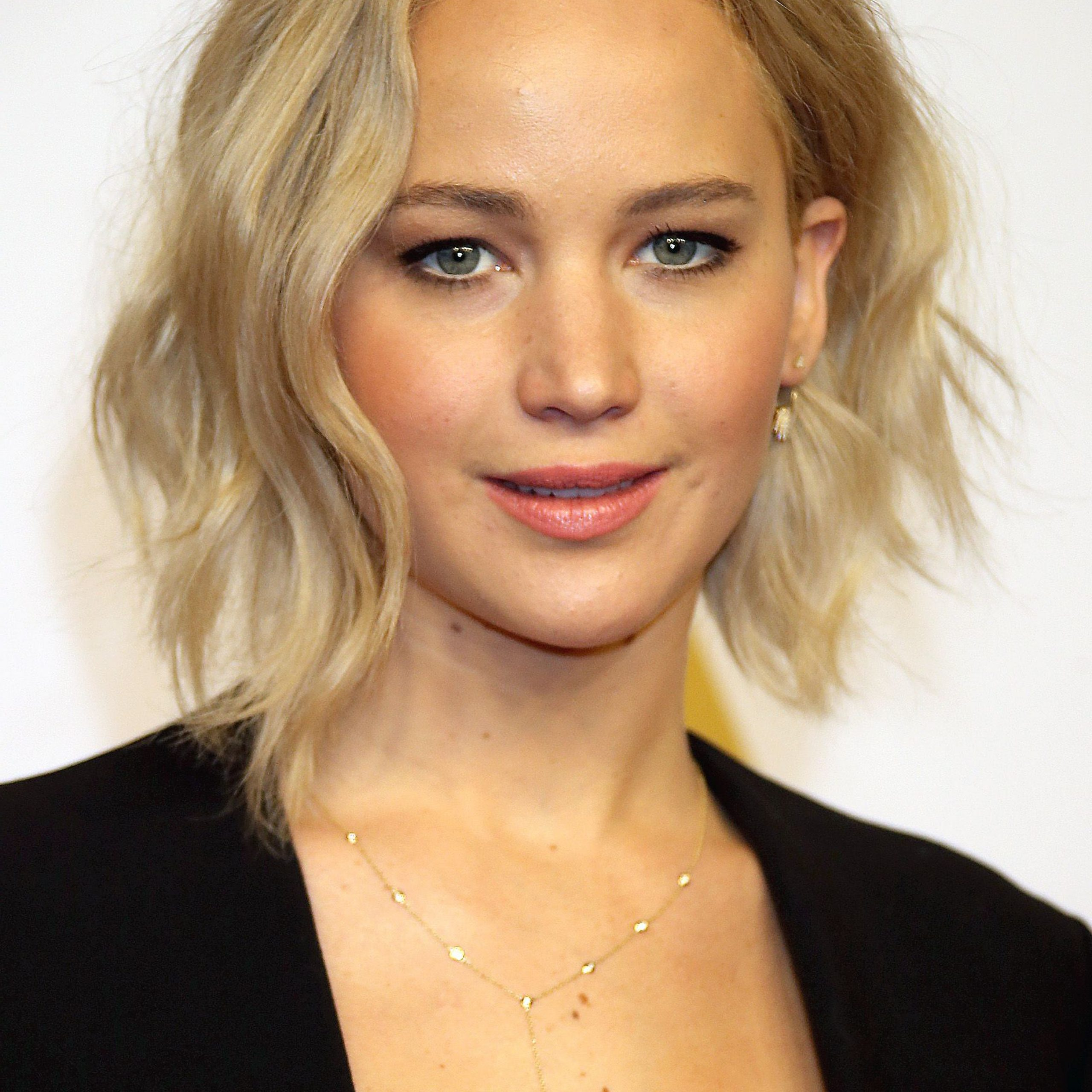 55+ Cute Bob Haircuts And Hairstyles 2019 – Long, Short, And With Simple Side Parted Jaw Length Bob Hairstyles (View 11 of 20)