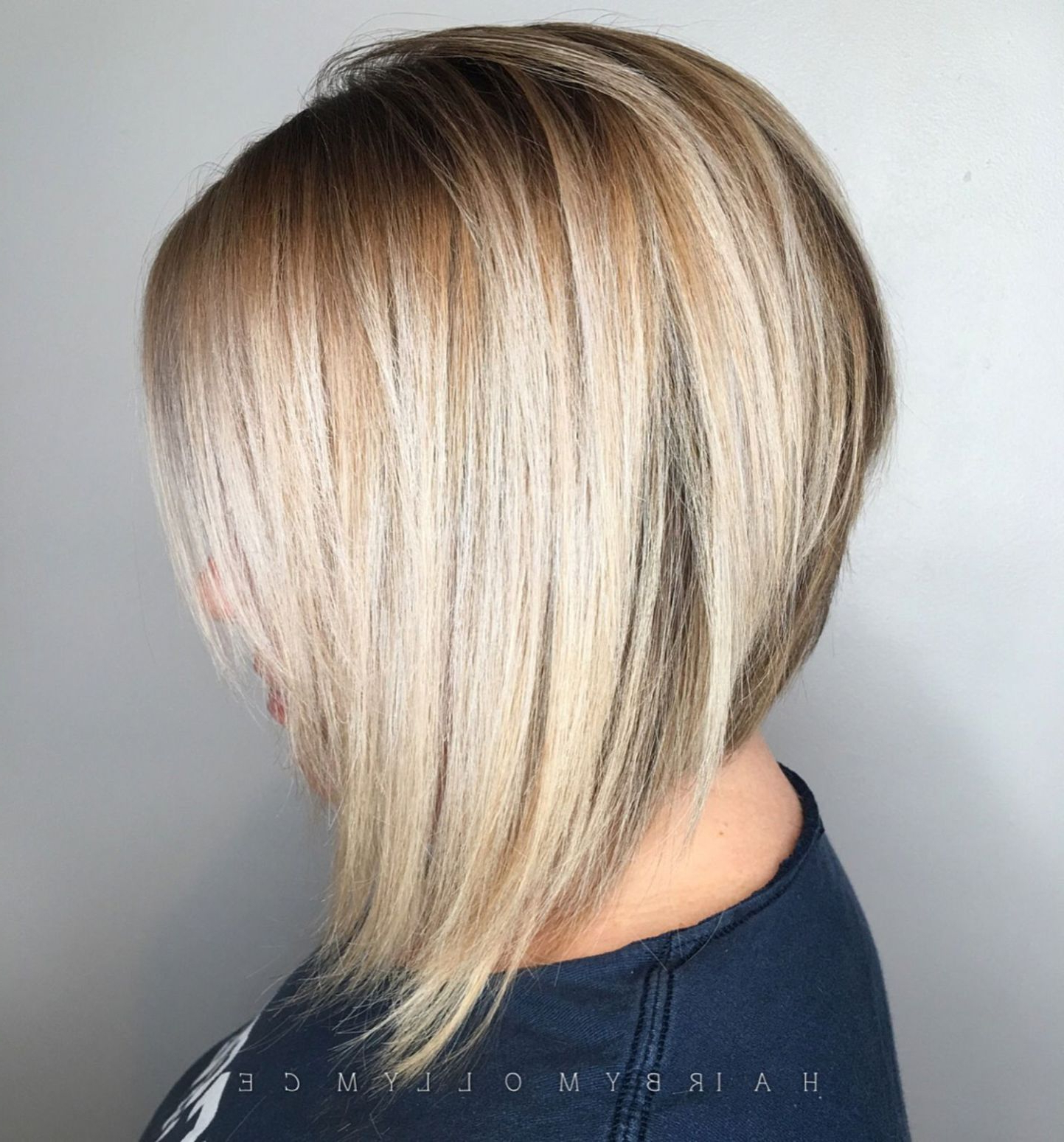 60 Beautiful And Convenient Medium Bob Hairstyles | Medium Within Angled Bob Hairstyles With Razored Ends (View 2 of 20)