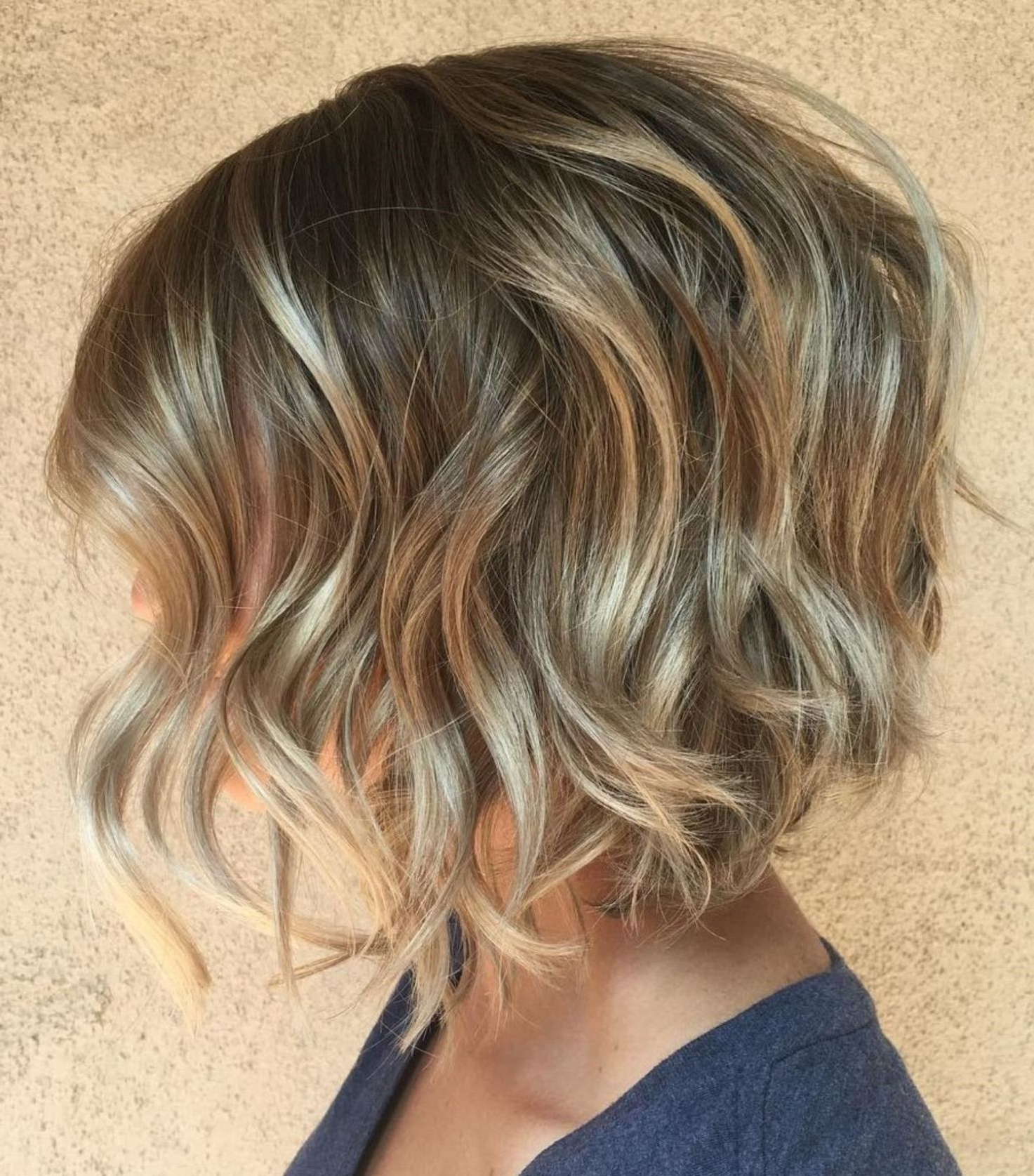 60 Best Short Bob Haircuts And Hairstyles For Women In 2019 Inside Feminine Wavy Golden Blonde Bob Hairstyles (View 12 of 20)