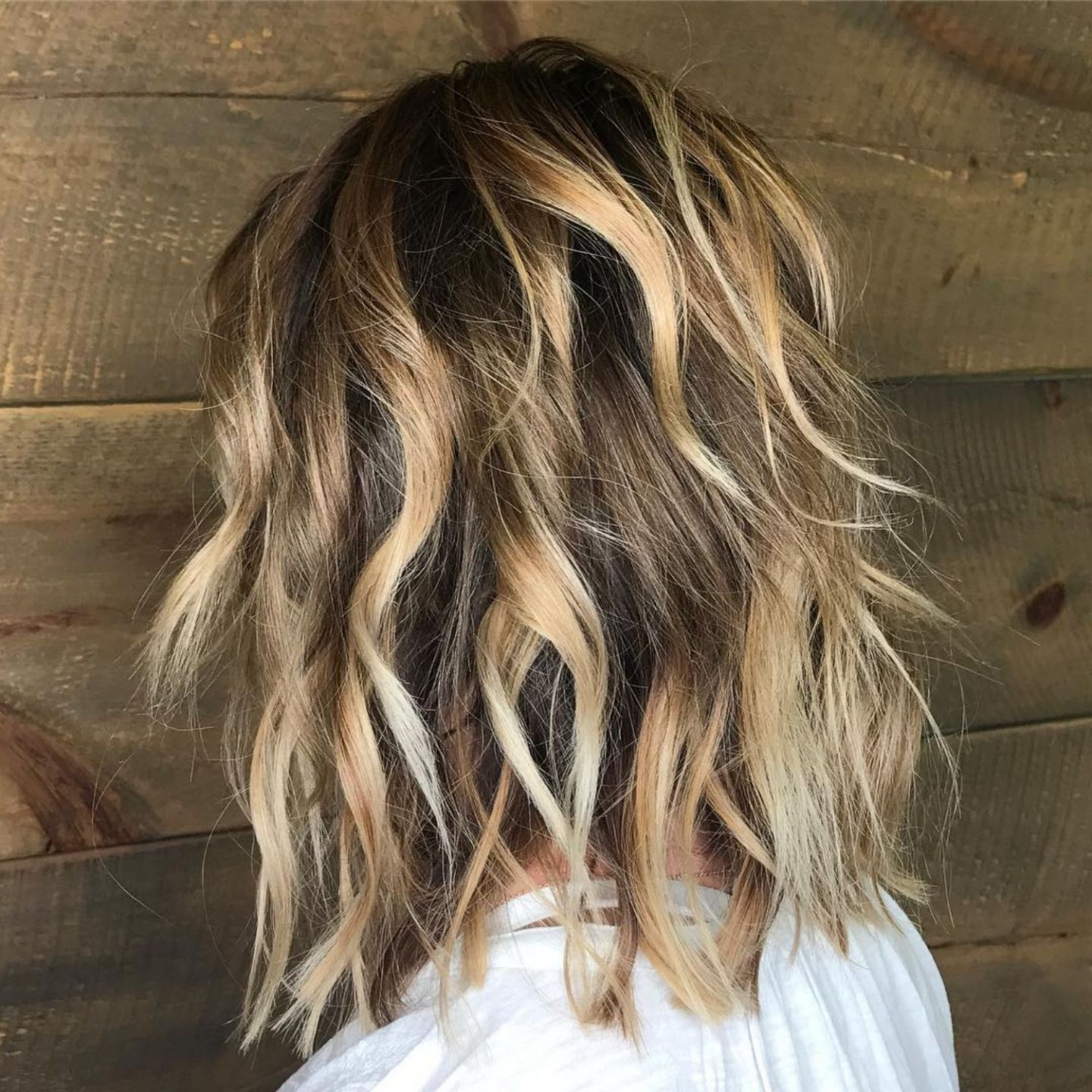 Featured Photo of Long Razored Shag Haircuts With Balayage