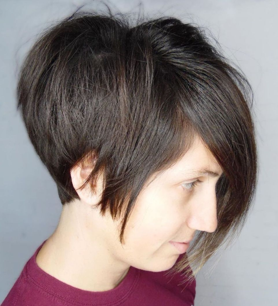 60 Short Shag Hairstyles That You Simply Can't Miss In 2019 For Piece Y Golden Bob Hairstyles With Silver Highlights (View 8 of 20)