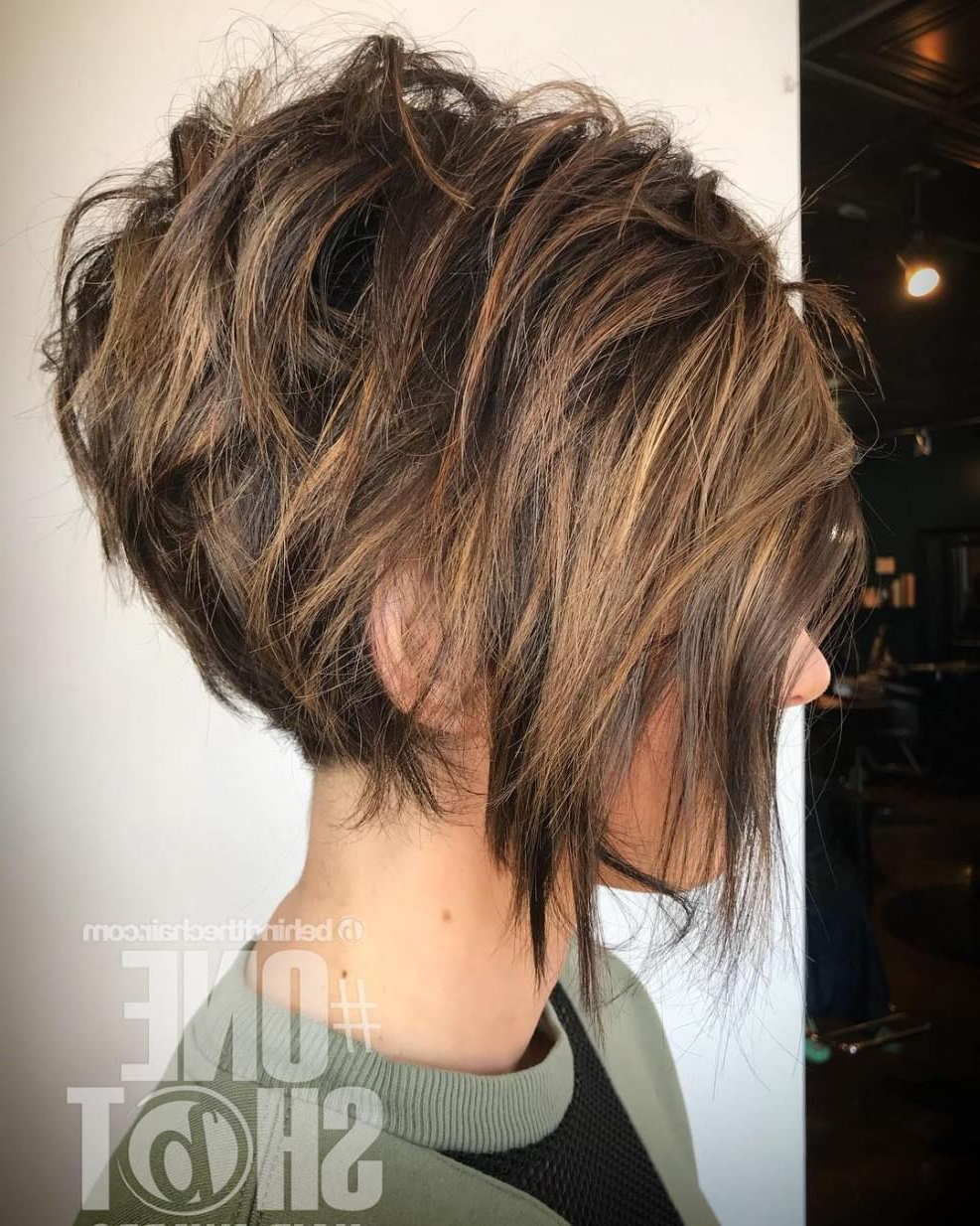 Featured Photo of Messy Highlighted Pixie Haircuts With Long Side Bangs