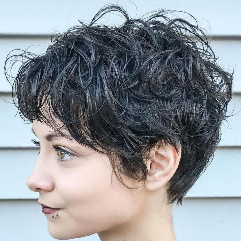 Featured Photo of Curls Of Tinsel Shag Haircuts