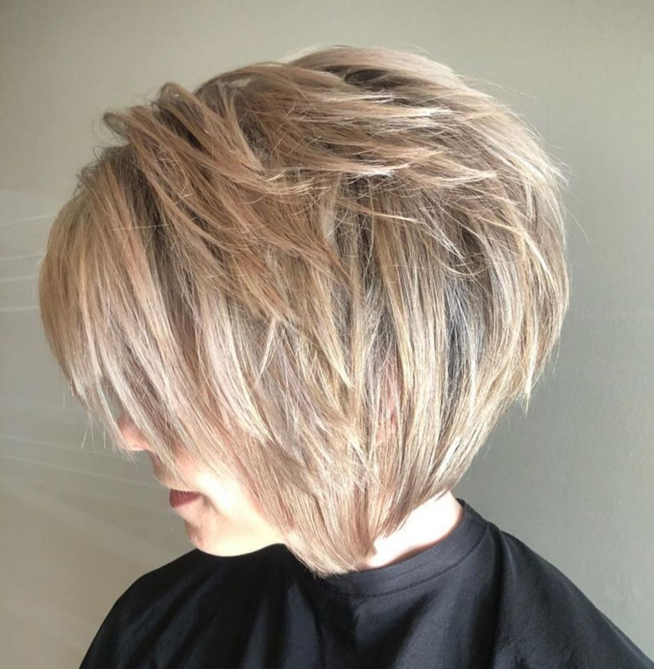 Featured Photo of Blonde Bob Hairstyles With Shaggy Crown Layers