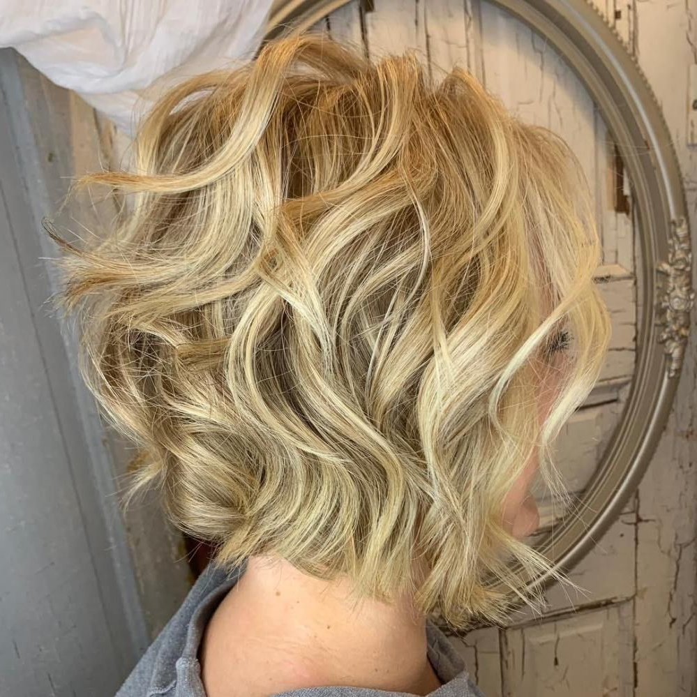 60 Short Shag Hairstyles That You Simply Can't Miss In 2019 With Regard To Feminine Wavy Golden Blonde Bob Hairstyles (View 13 of 20)