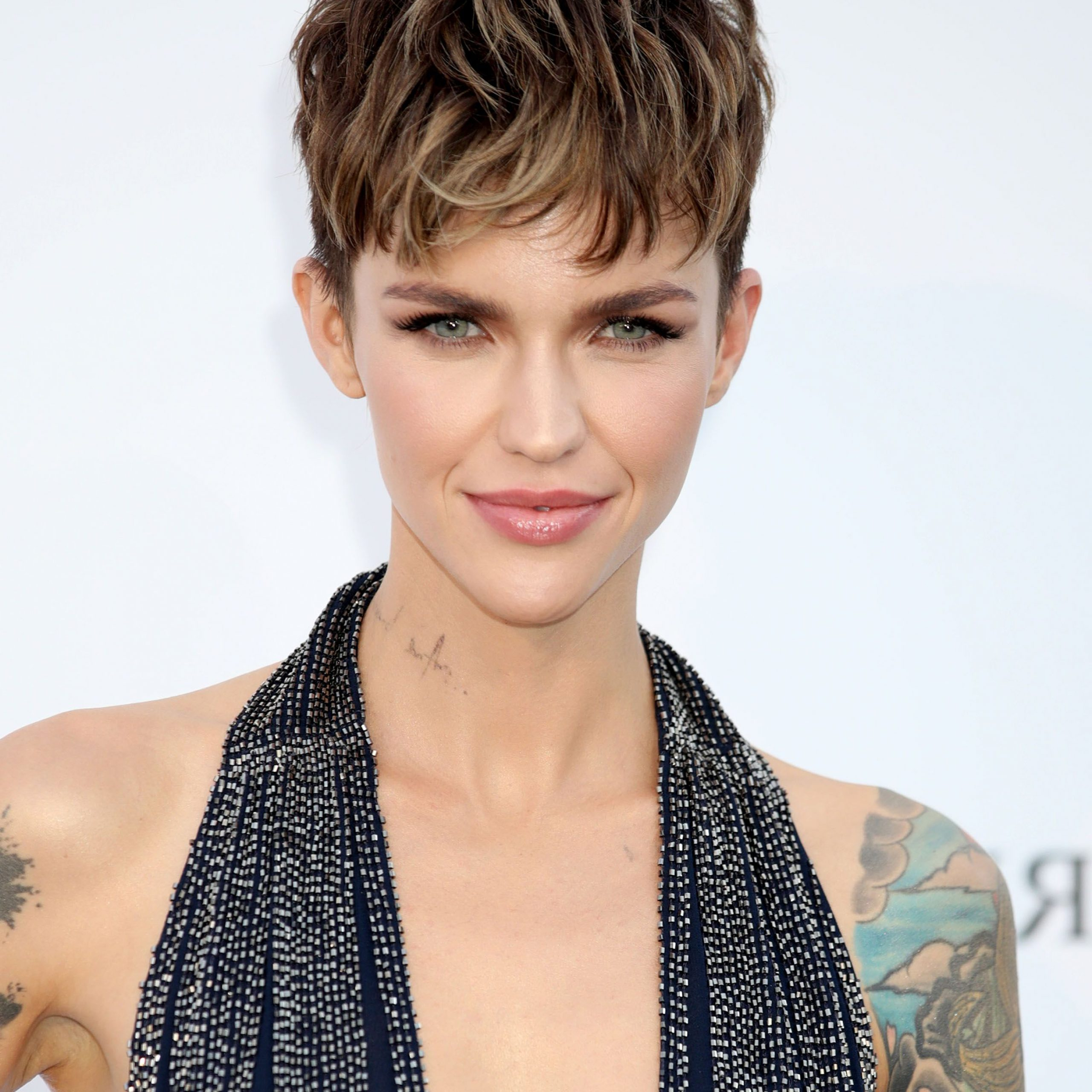 70 Best Pixie Cut Hairstyle Ideas 2019 – Cute Celebrity With Long Curly Pixie Haircuts With Subtle Highlights (View 14 of 20)